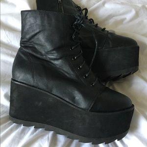 Sz 7 YRU platform boots